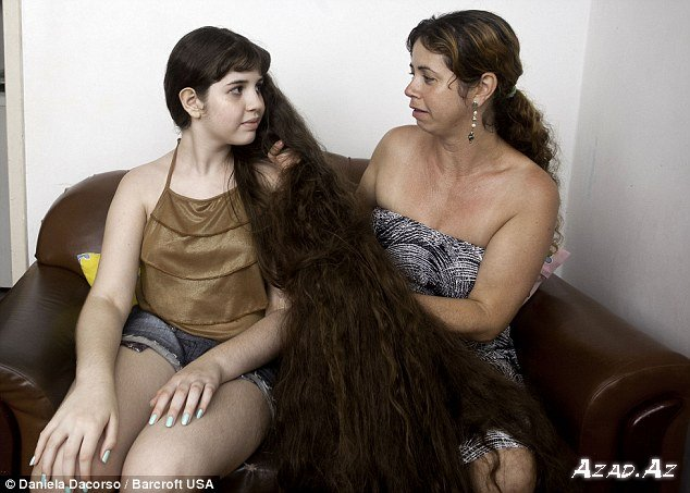 Saçlarını kəsdirməyən qız (FOTO)